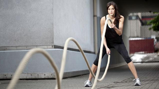 woman battle rope